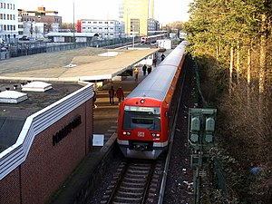 Poppenbüttel station - Image: S Bahn Hamburg Type 474 4