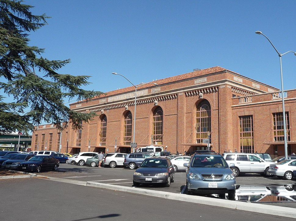 Sacramento Valley Station (cropped)