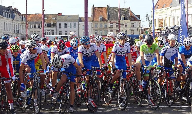 Saint-Amand-les-Eaux - Paris-Roubaix juniors, 12 avril 2015, départ (A92).JPG