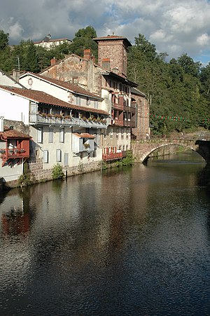 Saint-Jean-Pied-de-Port - Old bridge over river Nive