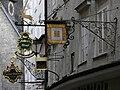 Salzburg Getreidegasse Ladenschilder 2.jpg