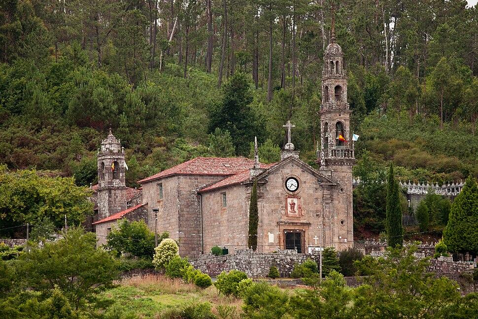 Igrexa de San Xulián de Bastavales.