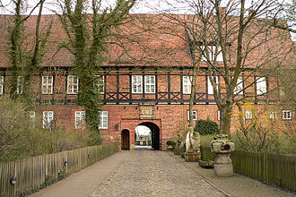 Ahlden House - Main building of 1613 and entrance to the house