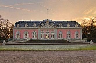 Schloss Benrath - Main front of the corps de logis of Schloss Benrath