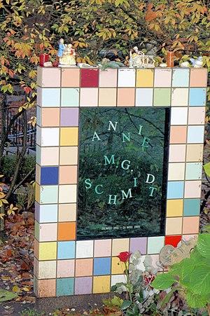 Annie M. G. Schmidt - Annie M. G. Schmidt's gravestone
