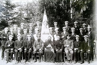 Joseph Kentenich - Kentenich with the Schoenstatt Marian Congregation, on 18 October 1914 (seated, the 4th from the right)