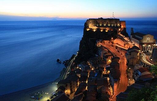 Scilla castello Ruffo notte2