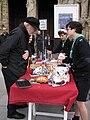 Scouts d' Europe vendant des pâtisseries (3).JPG