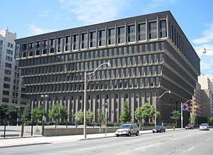 222 Jarvis Street - Image: Sears Canada Building