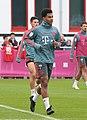 Serge Gnabry Training 2019-04-10 FC Bayern Muenchen-3.jpg