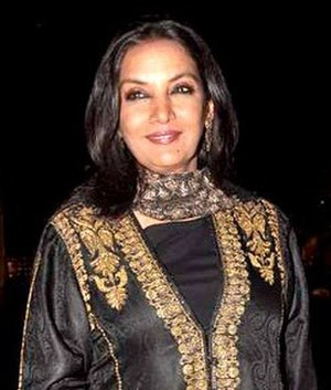 Shabana Azmi - Azmi at the Apsara Film Awards in 2015