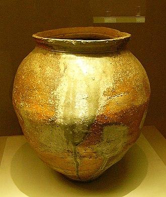 Shigaraki ware - Shigaraki Jar h55.5cm, 16th century