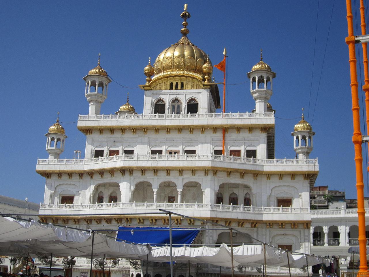 File:Sikh Gurdwara, Punjab.JPG - Wikimedia Commons