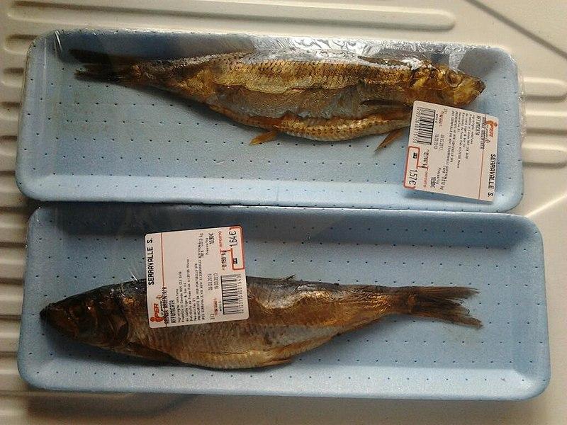 File:Smoked herring sold in Italy.jpg