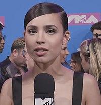 Sofia Carson VMA 2018.jpg