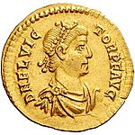 Solidus Flavius Victor Trier (anverso) .jpg