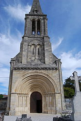 The church in Saint-Christophe-des-Bardes