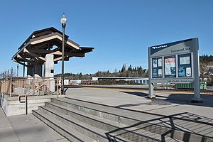 Stanwood Station platform (23349062722).jpg