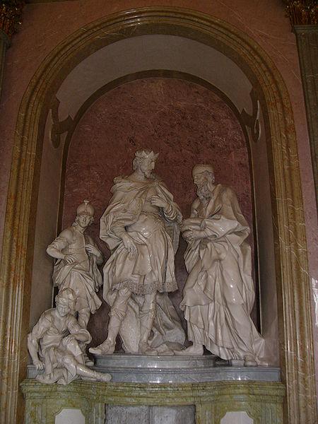 Datei:Statuary David receives bread in Hradisko.jpg
