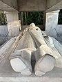 Statue du soldat allongé au monument aux morts du parc Jouvet Valence).jpg