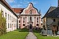 Stift Griffen Pfarrkirche Mariae Himmelfahrt West-Fassade 22102015 8421.jpg