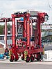Straddle carrier, Eurokai, WPAhoi, Hamburg (P1080589).jpg