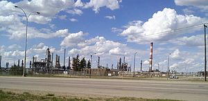 Refinery Row (Edmonton) - Image: Strathcona Refinery NW Baseline Road 10