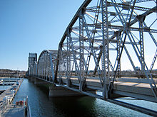 Sturgeon Bay Bridge.jpg