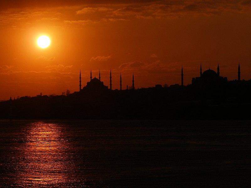 Файл:SunsetOverTheBosphorus1.JPG