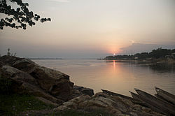 Sunset in Bangui (river Ubangi).jpg