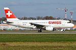 Swiss, HB-IPX, Airbus A319-112 (16270440299) (3).jpg