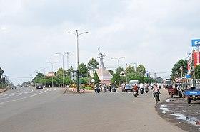 Tượng đài Long Khánh - panoramio.jpg