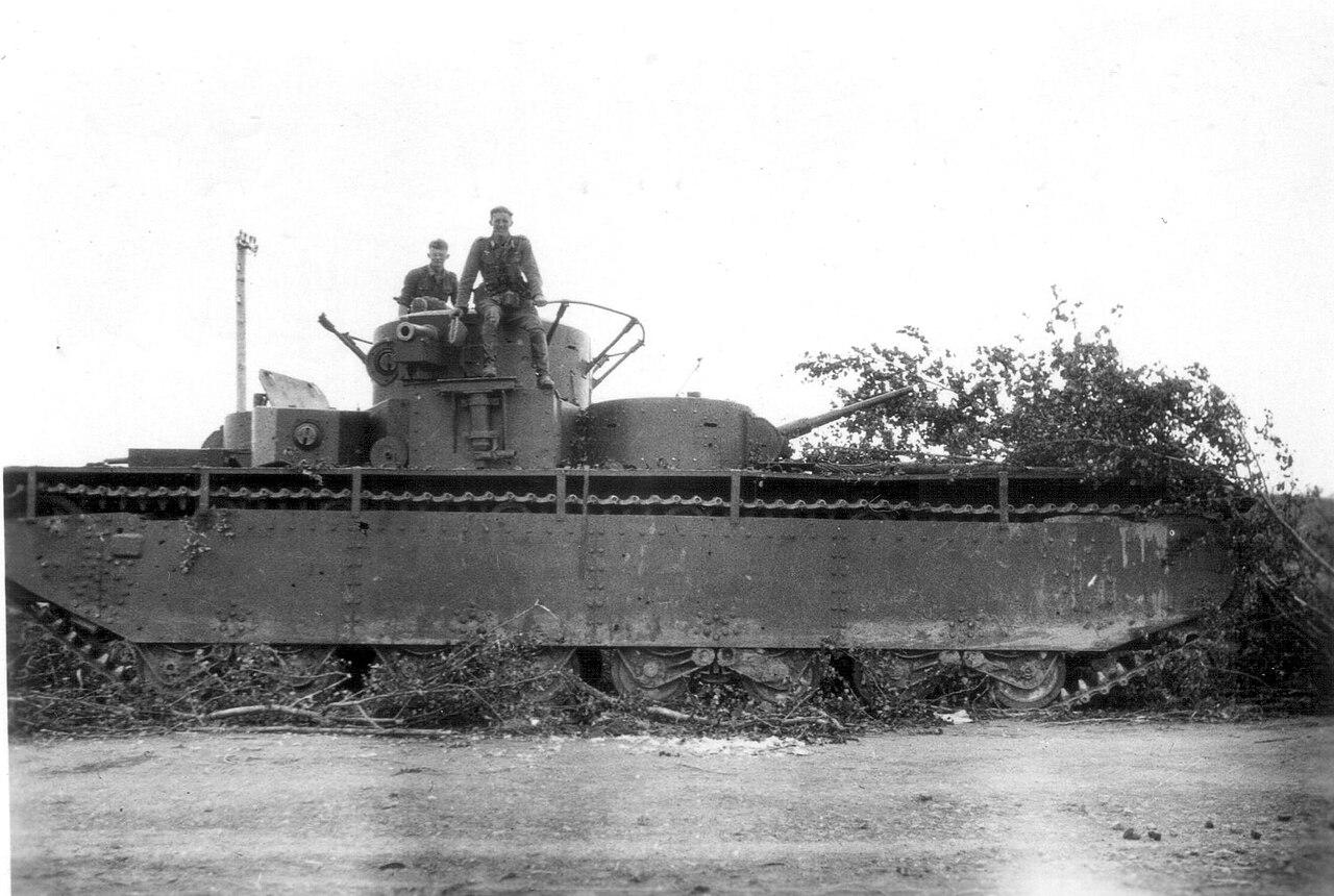 Un T-35 capturat de soldații germani