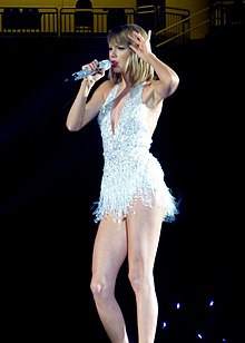 Taylor Swift 1989 Tour at Ford Field in Detroit, 5-30-15.jpg