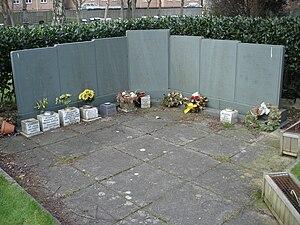 Dan-Air Flight 1008 - Memorial to victims of Flight 1008