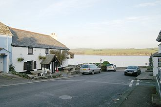 The Coroner - Image: The Crooked Spaniards public house, Cargreen