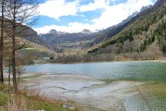 Valtournenche - Image: The Maën lake, Valtournenche, Italy
