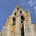 Thil - Eglise Saint-Laurent clocher mur.jpg