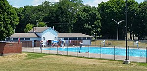 Thornden Park - Public swimming pool