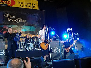 Three Days Grace konsertissa vuonna 2008