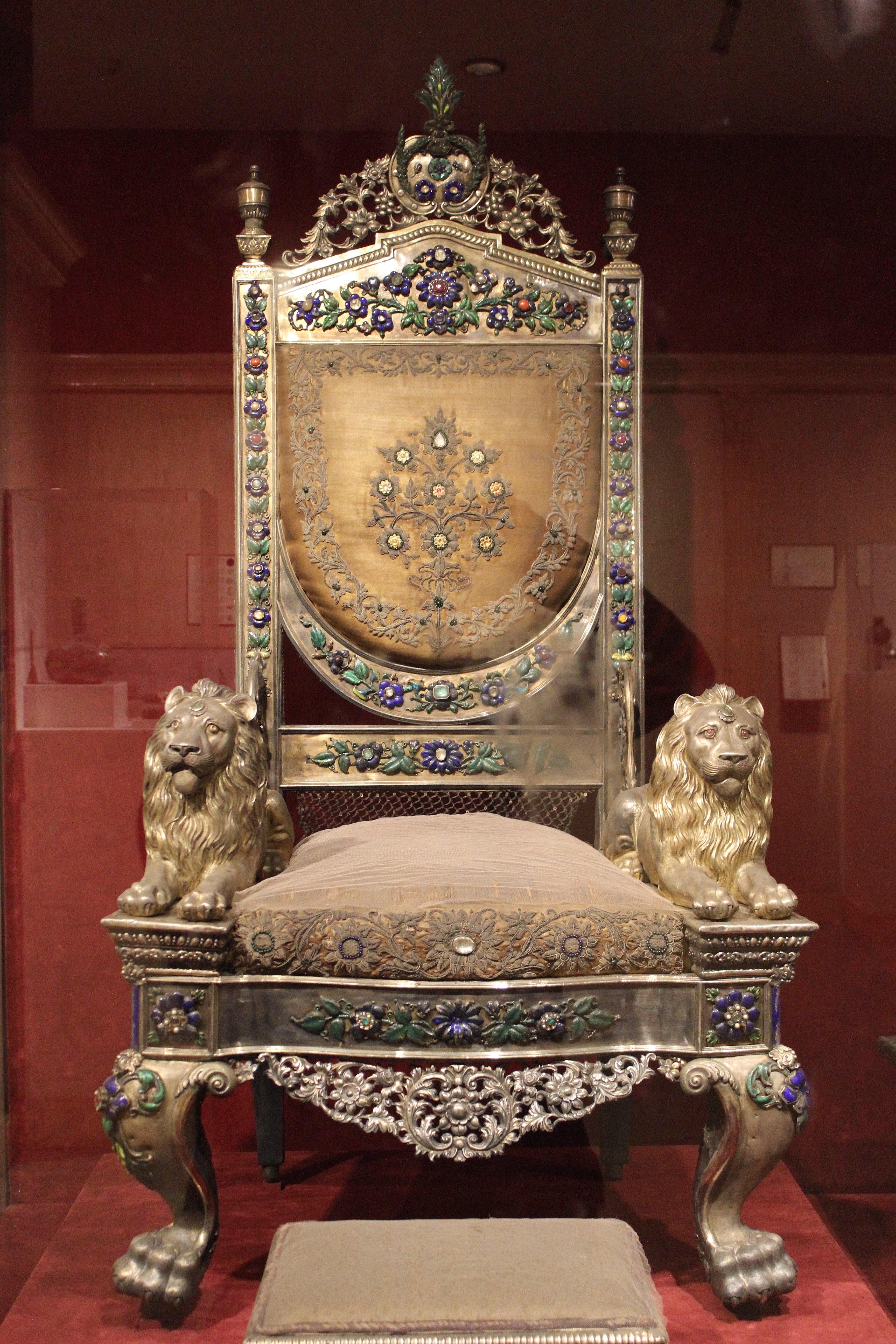 File:Throne national museum india.JPG - Wikimedia Commons