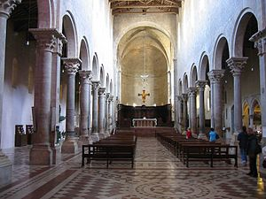 Todi Cathedral - Cathedral interior looking east
