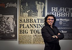 Tony Iommi HomeofMetal Fox 0659.jpg