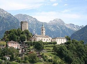 Turm und Kirche Sta. Maria Assunta
