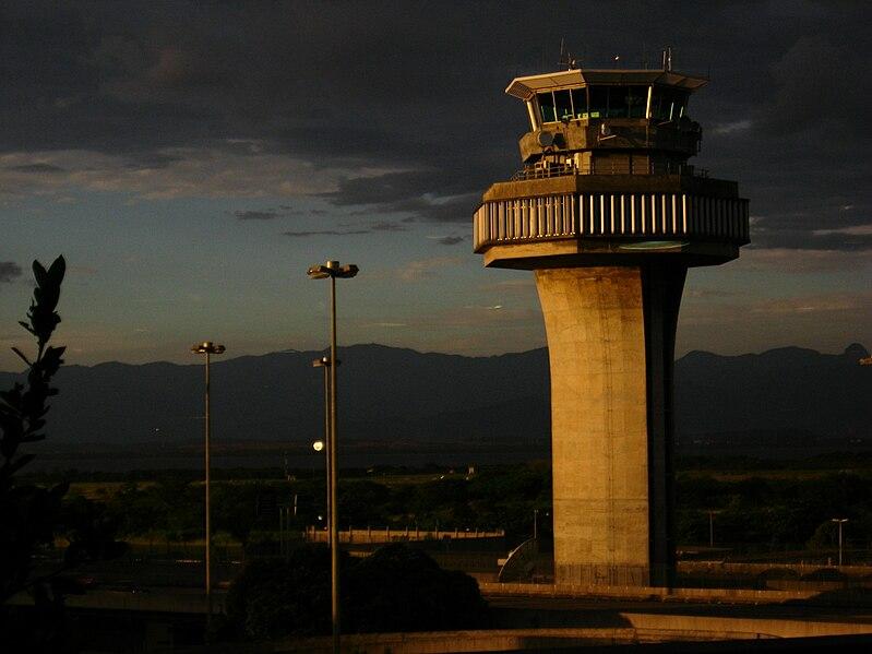 File:Torre de controle Rio de Janeiro (Galeao).jpg
