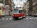 Tramvaj č. 11 na křižovatce Bělehradská x Šafaříkova.JPG