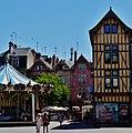 Troyes Place Alexandre-Israël 5.jpg