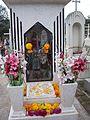 Tumba con flores de Cempasúchil.JPG