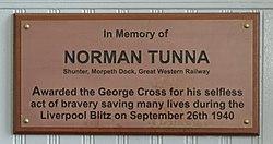 Tunna plaque, Birkenhead Central.jpg