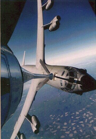 Whifferdill turn - A B-52 Stratofortress and KC-135 Stratotanker performing a whifferdill turn while performing an aerial refueling maneuver
